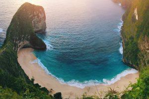 Prvé dni nášho tripu strávime na susednom ostrove Nusa Penida. Epický ostrov obdarený nádhernými miestami