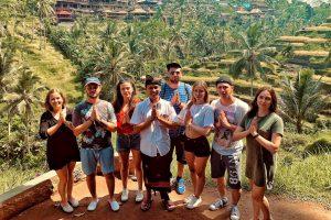 Ryžové polia, chuť kávy či sladkých čajov a nakoniec, stádo bláznivých opíc. Salamat datang di Bali