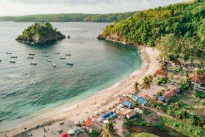 Skôr ako odídeme z ostrova Nusa Penida, navštívime ďalšiu krásnu pláž Crystal Bay
