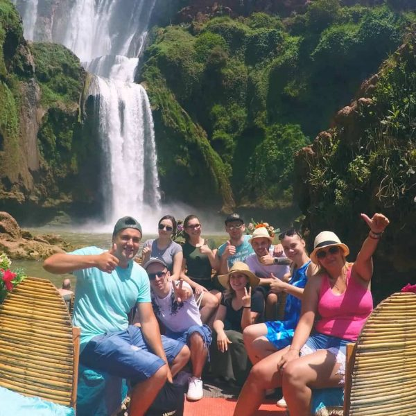 Trip na okuzlujúce Ouzoud Falls, kde nám spoločnosť robili makaki berberské